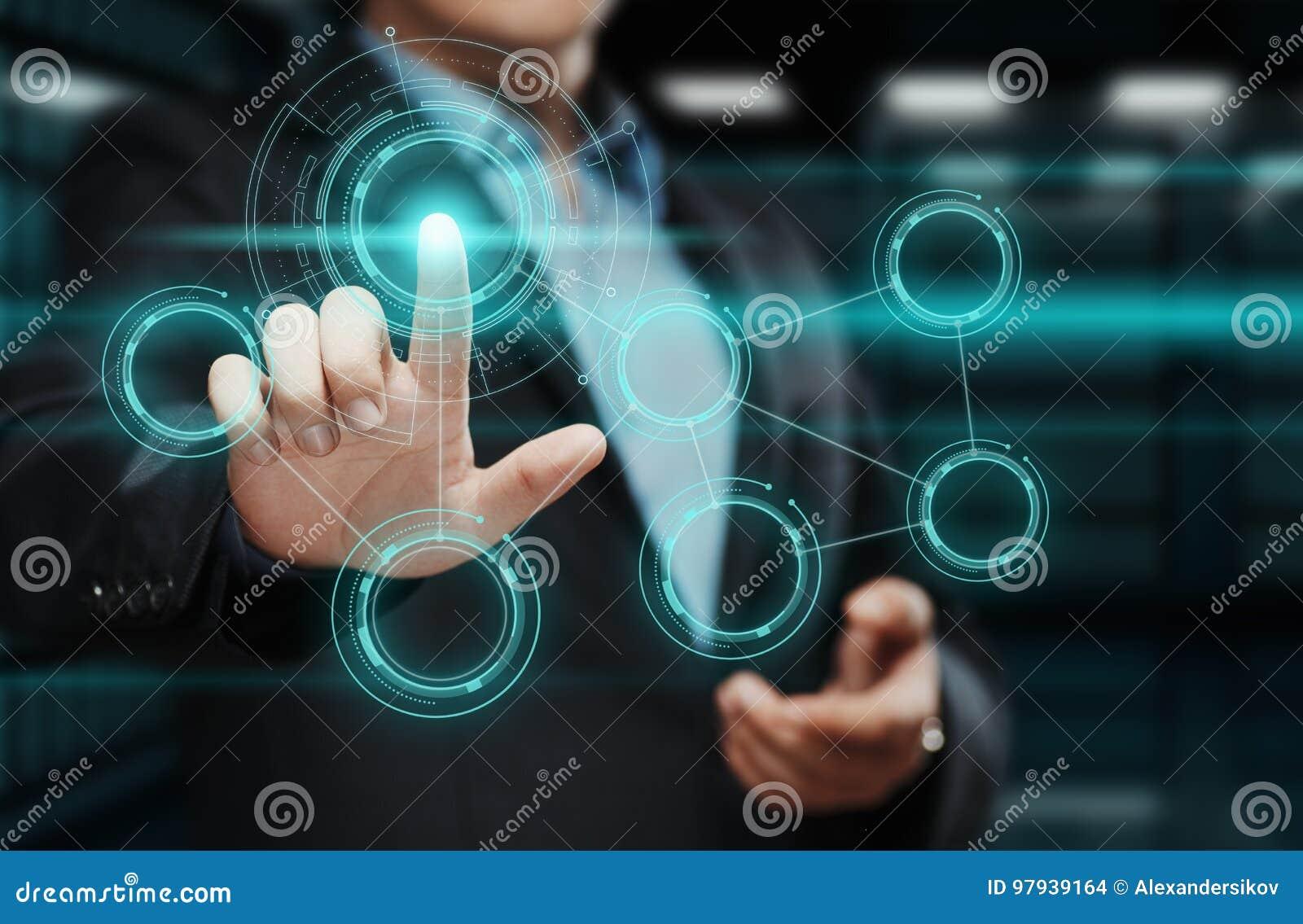 生意人按钮按 指向在未来派接口的人 创新技术互联网和企业概念