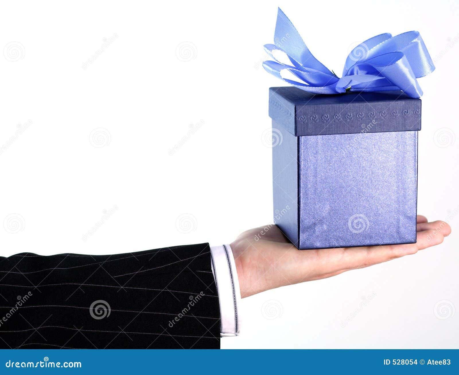 Download 生意人礼品 库存照片. 图片 包括有 现有量, 装饰, 人力, 场合, 季节性, 礼品, 节假日, 概念, 投反对票 - 528054