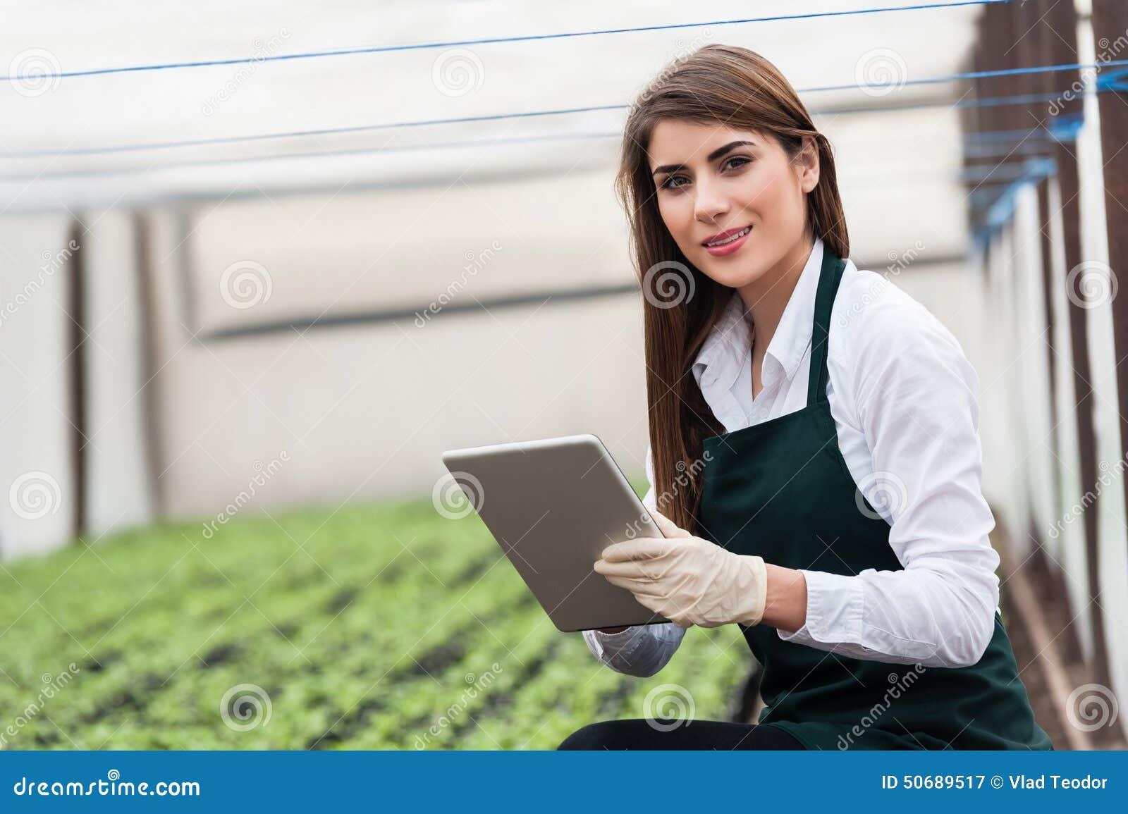 Download 生物食物生产 库存图片. 图片 包括有 食物, 工程, 碱性, 健康, 剪贴板, 沾染, 传记, 检查, 小配件 - 50689517