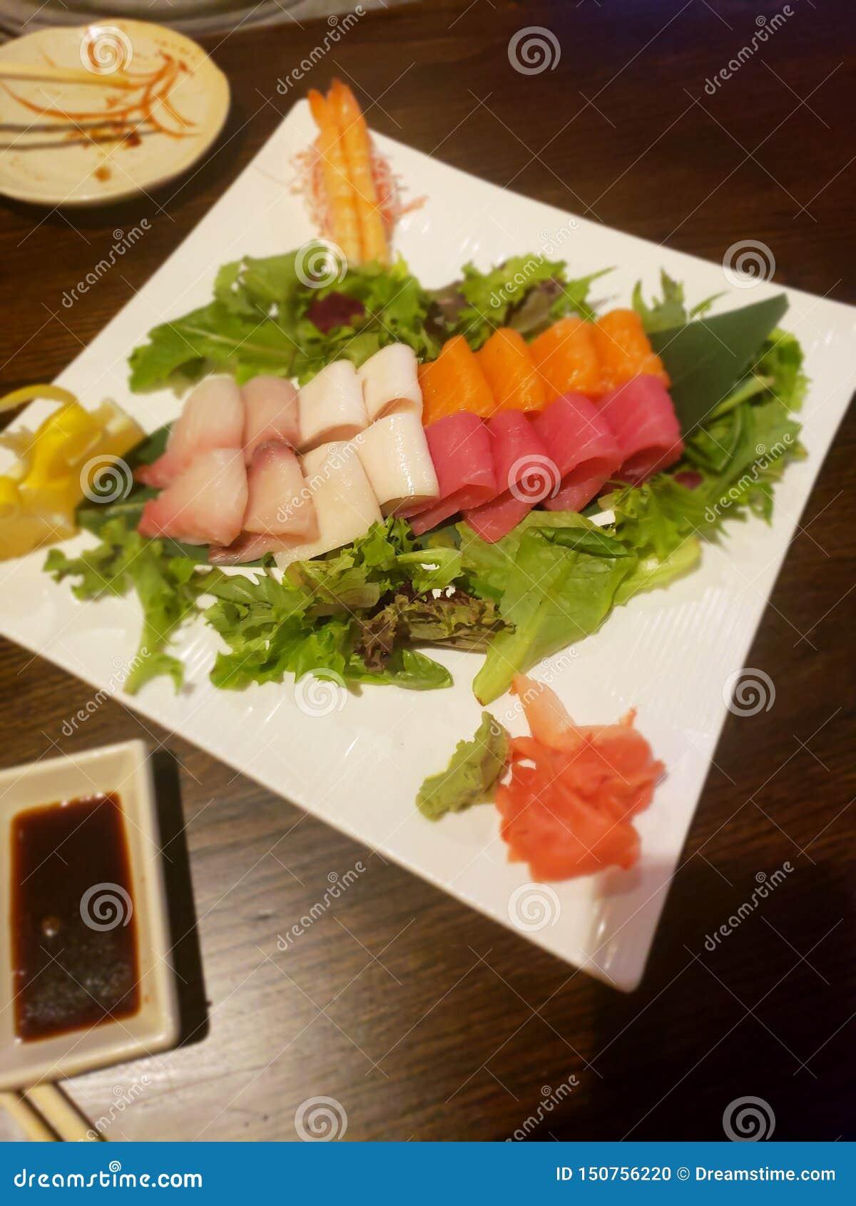 生鱼片盛肉盘