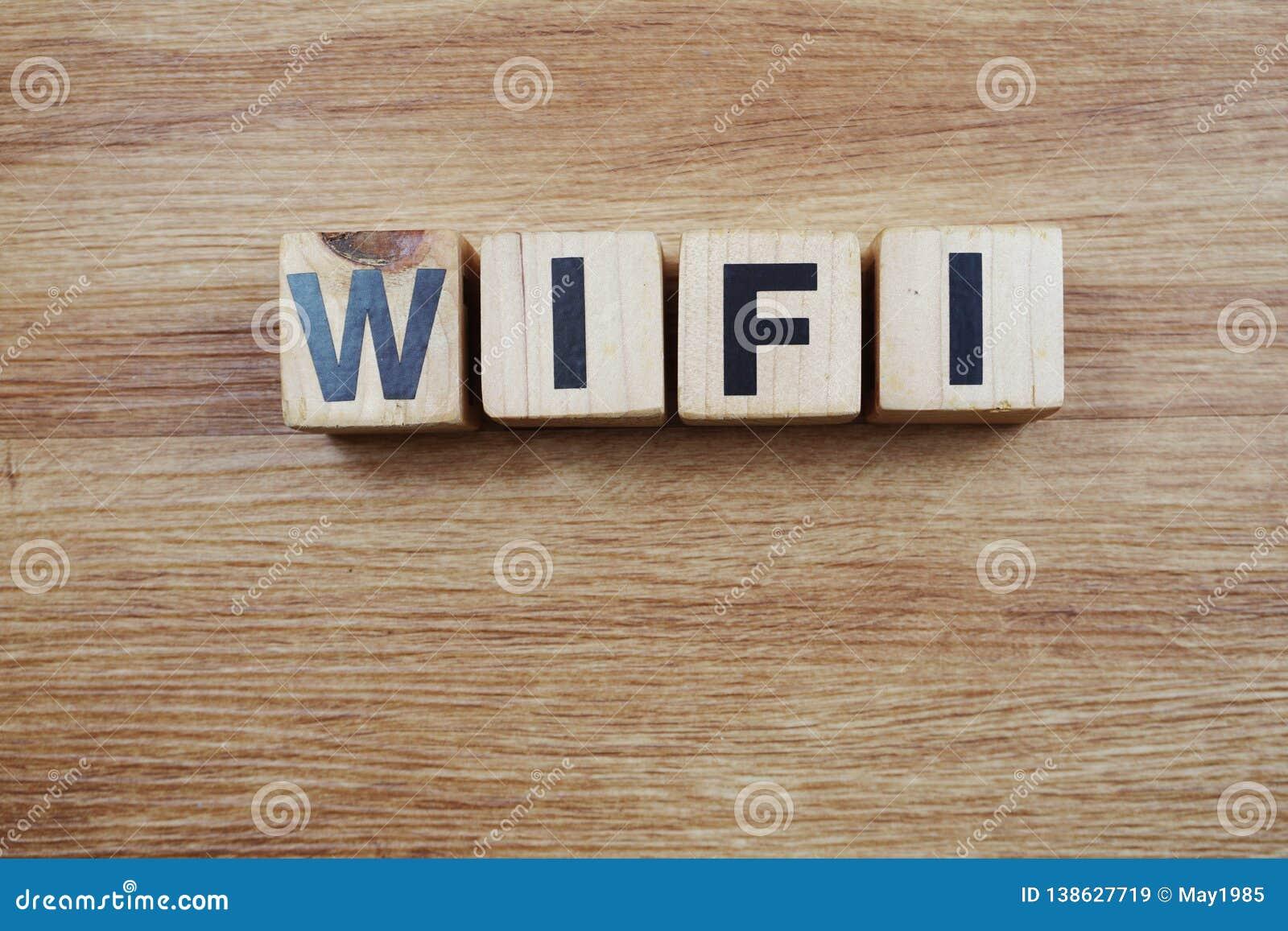 用木块做的Wifi词顶视图