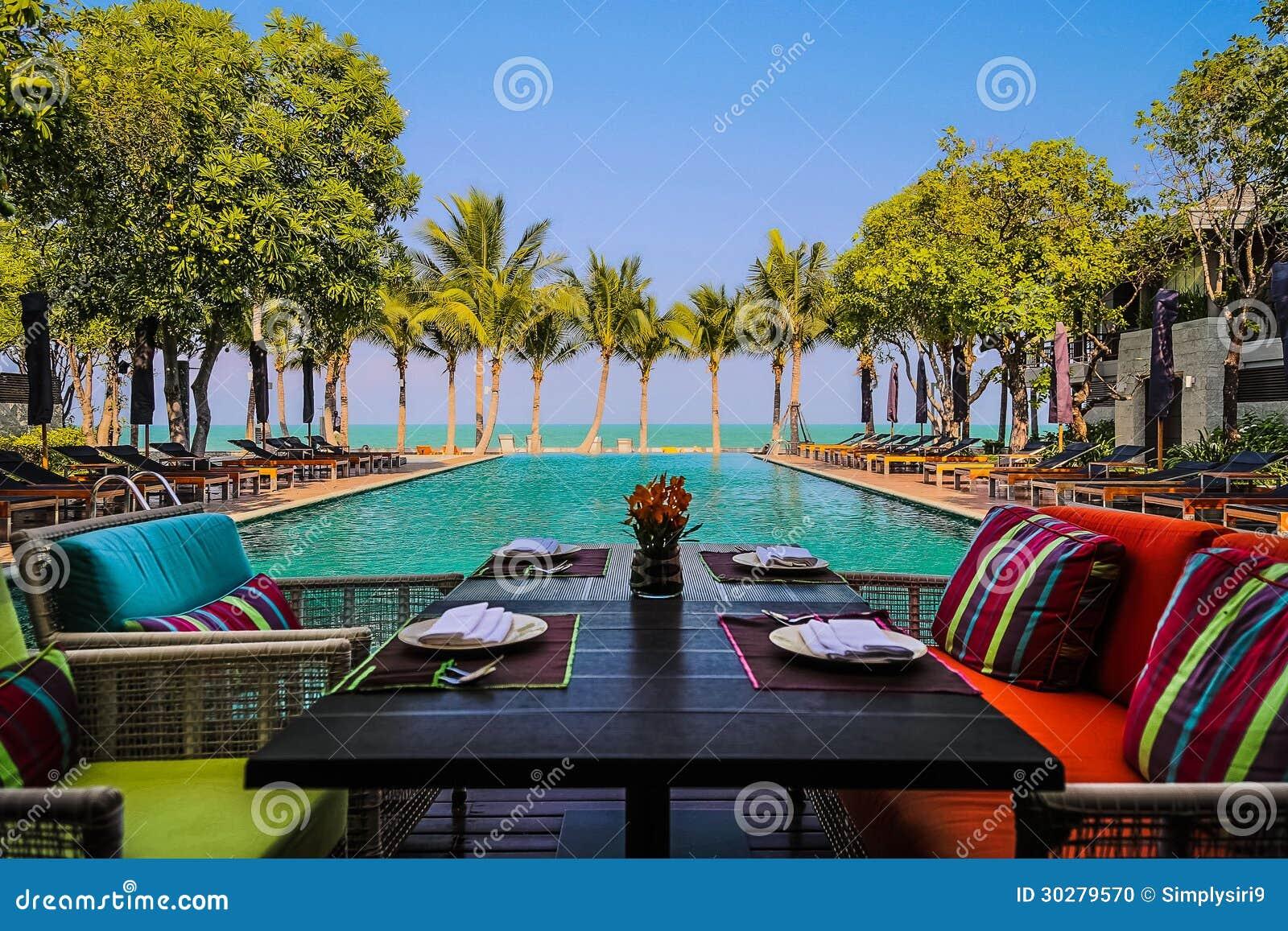 用餐在下午欢欣由海在华Hin