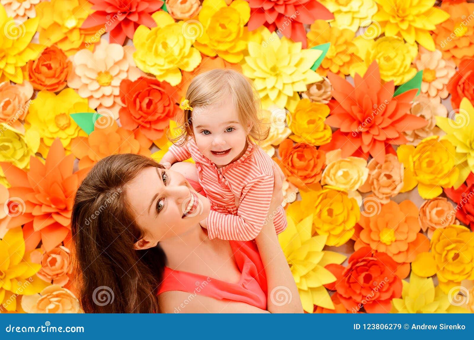 由于母亲的作用女儿
