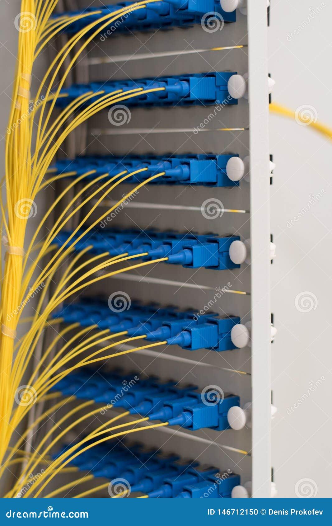 由光纤信息技术的数据传送