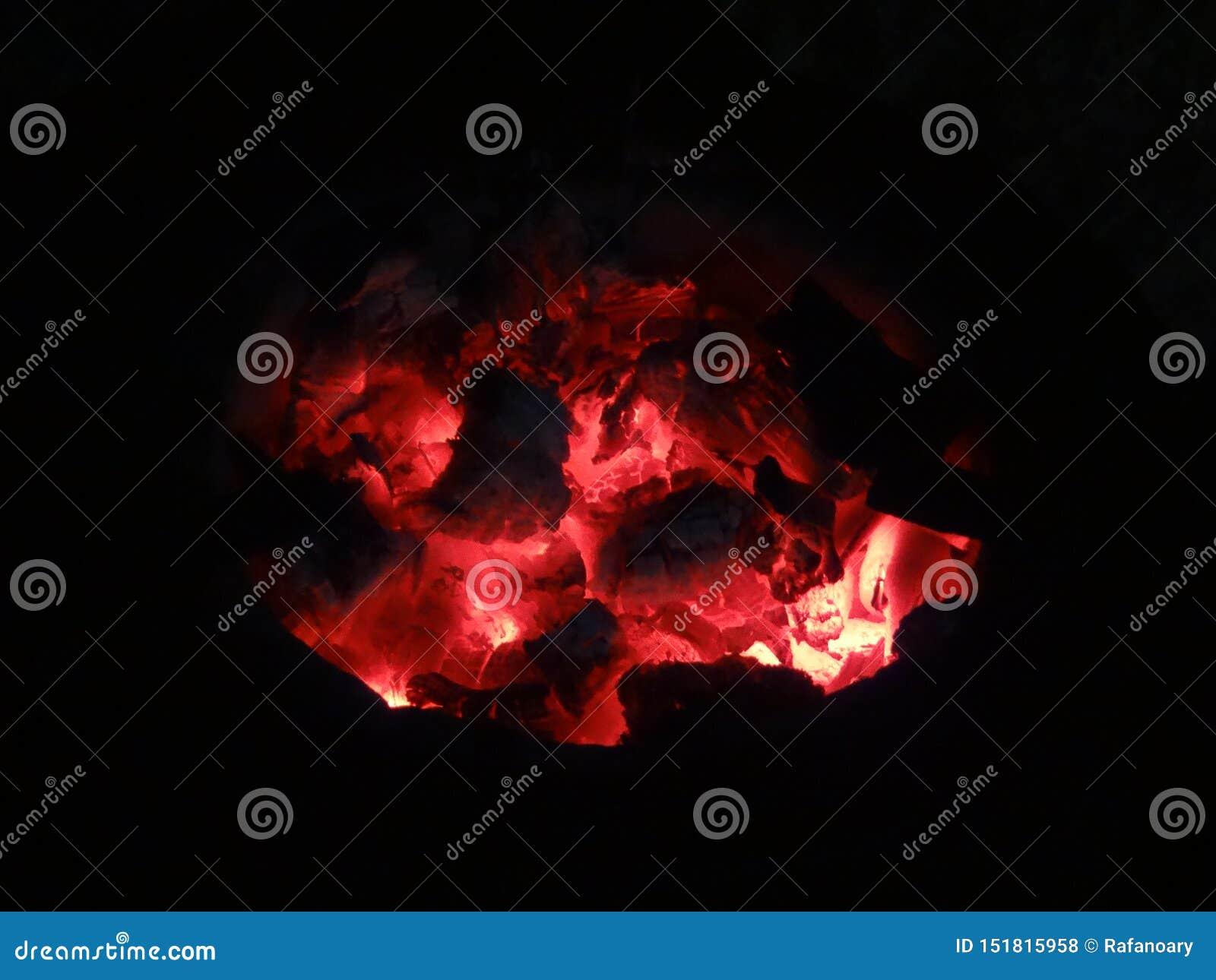 由煤炭的火