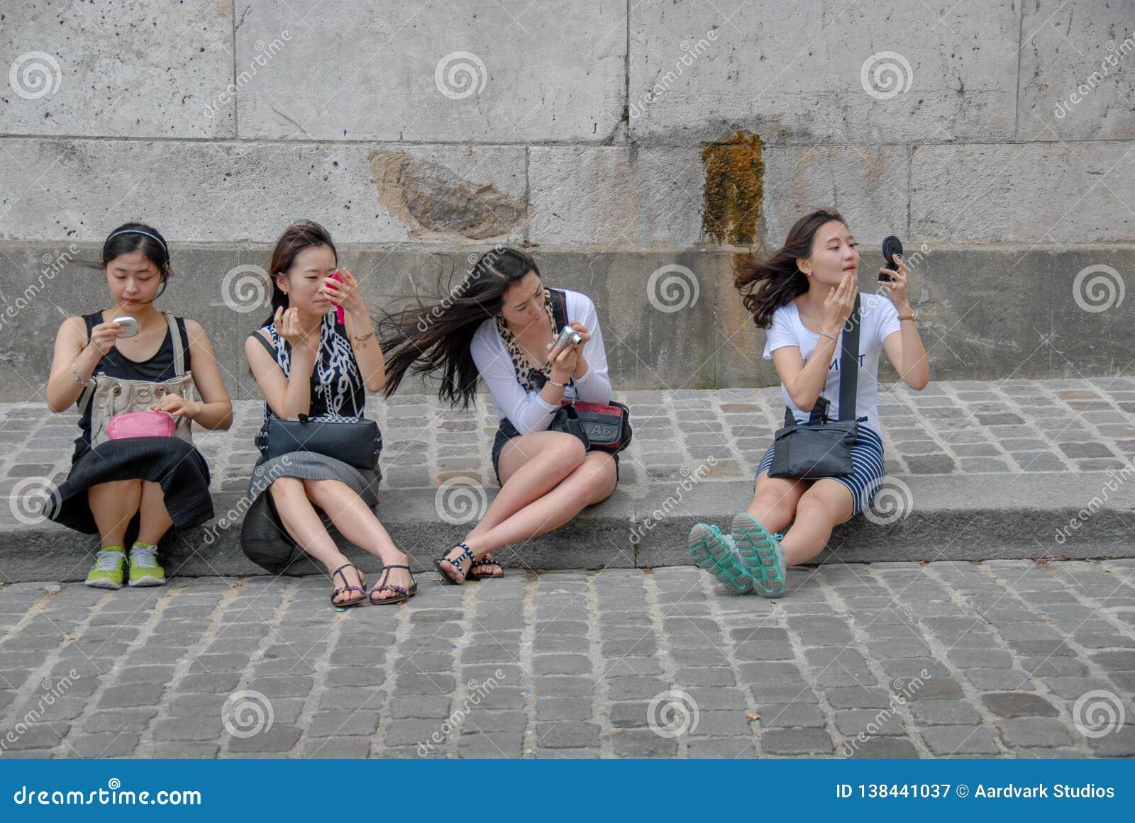 申请构成的四位中国女性
