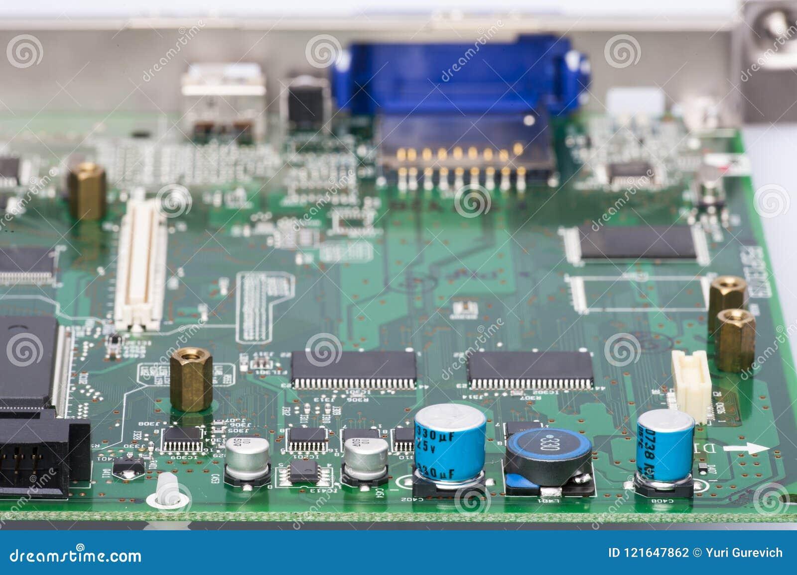电子元件在设备板芯片二极管电容器阻气登上