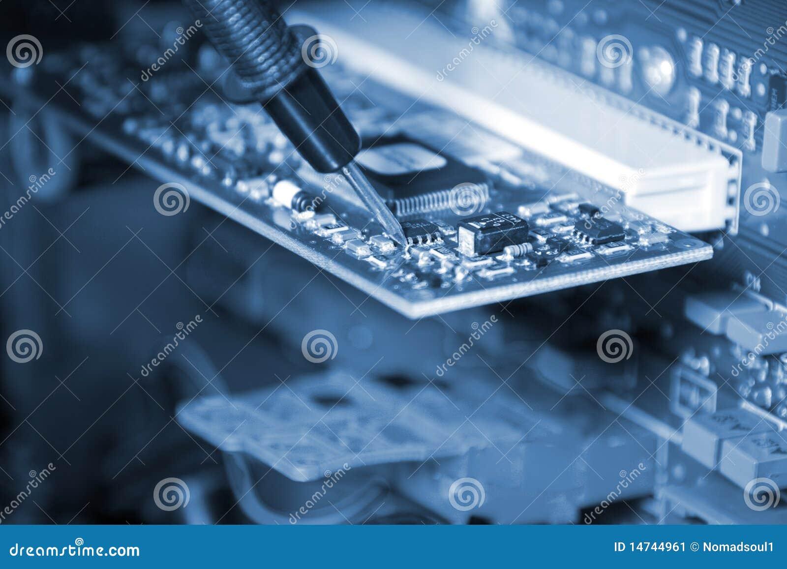 电子工程师工作