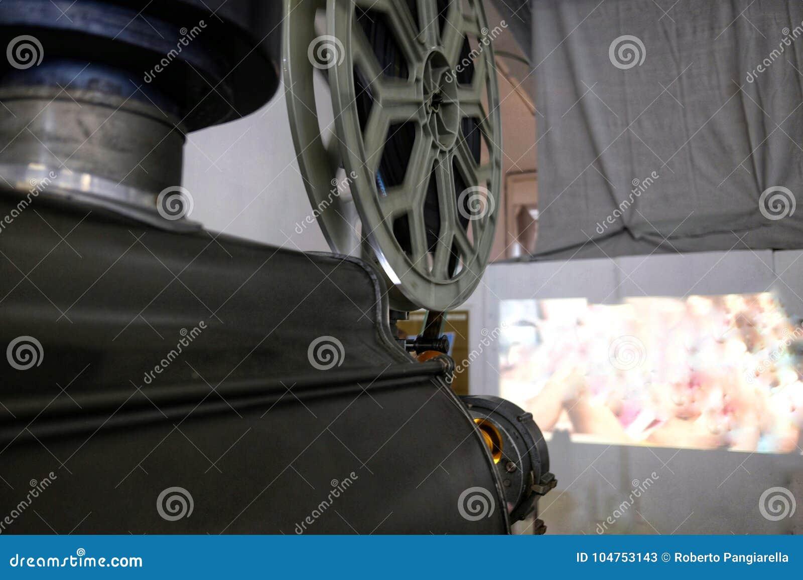 电影老放映机