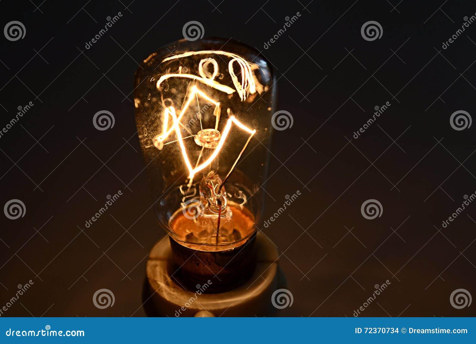 电灯泡发光的光