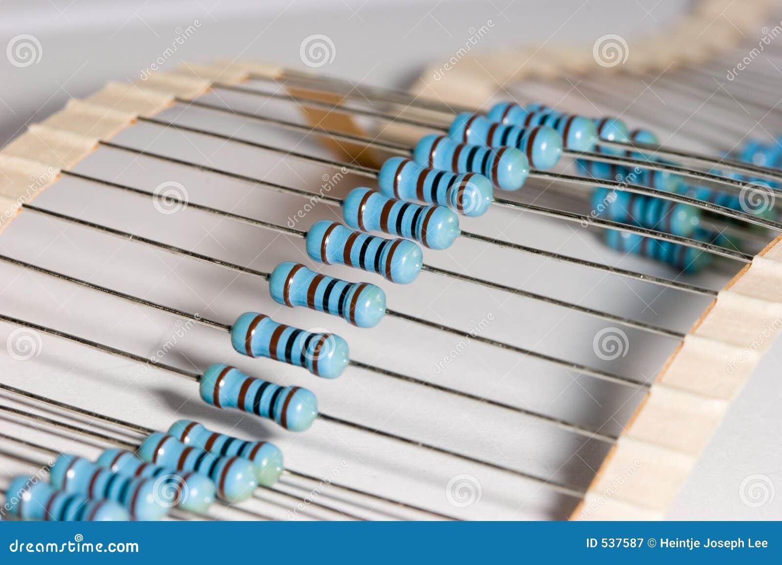 Download 电阻器 库存图片. 图片 包括有 电子, 电路, 被动, 电阻器, 半导体, 要素, 零件, 电汇, 颜色, 录制 - 537587