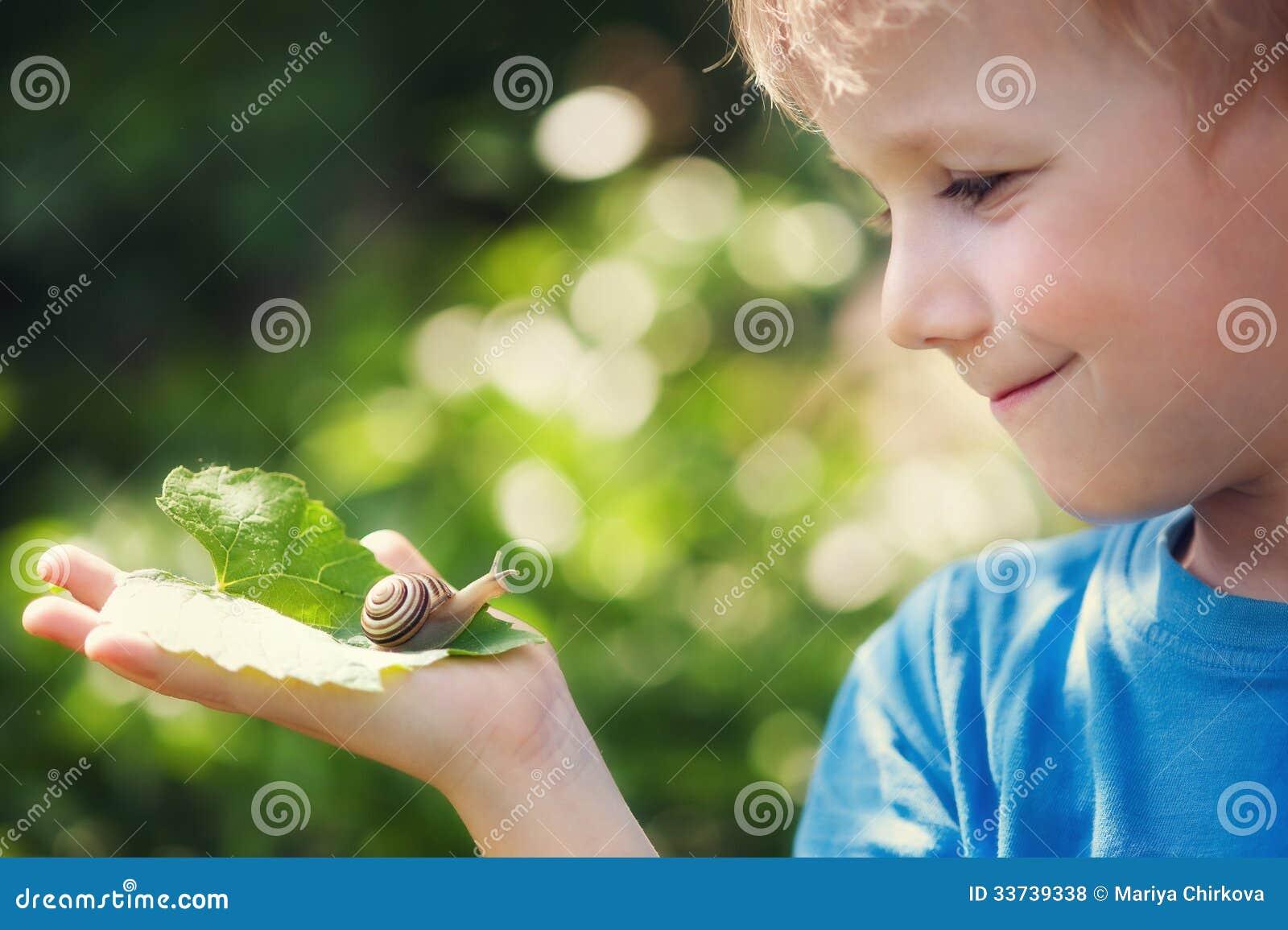 男孩和蜗牛