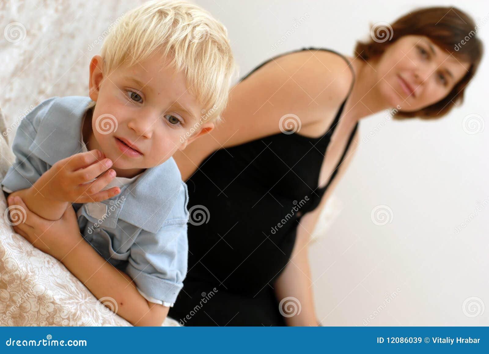 男孩小孕妇