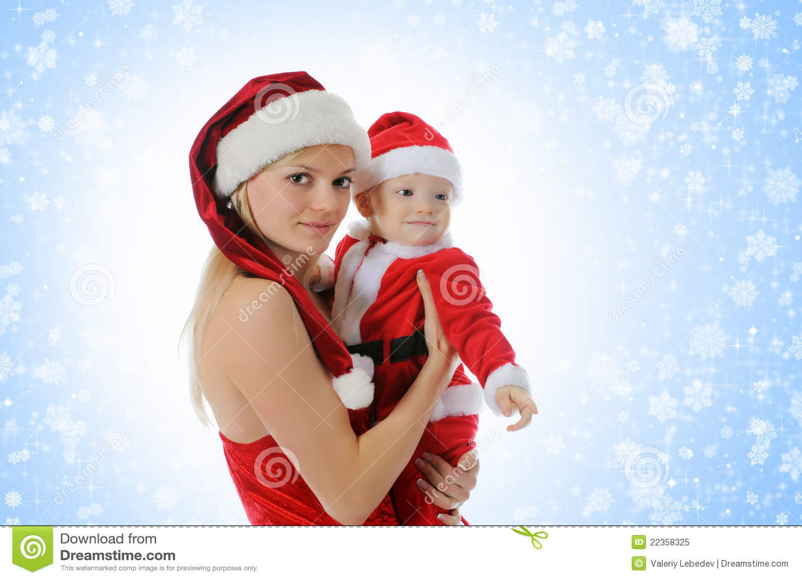 男孩快乐的克劳斯帽子圣诞老人