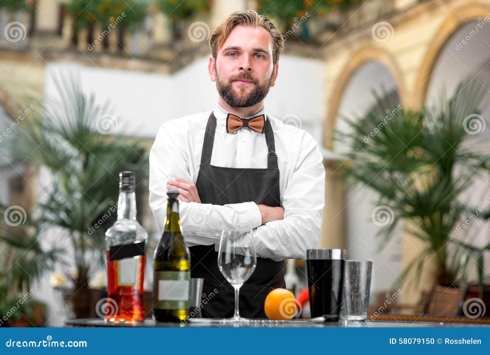男服务员画象餐馆的
