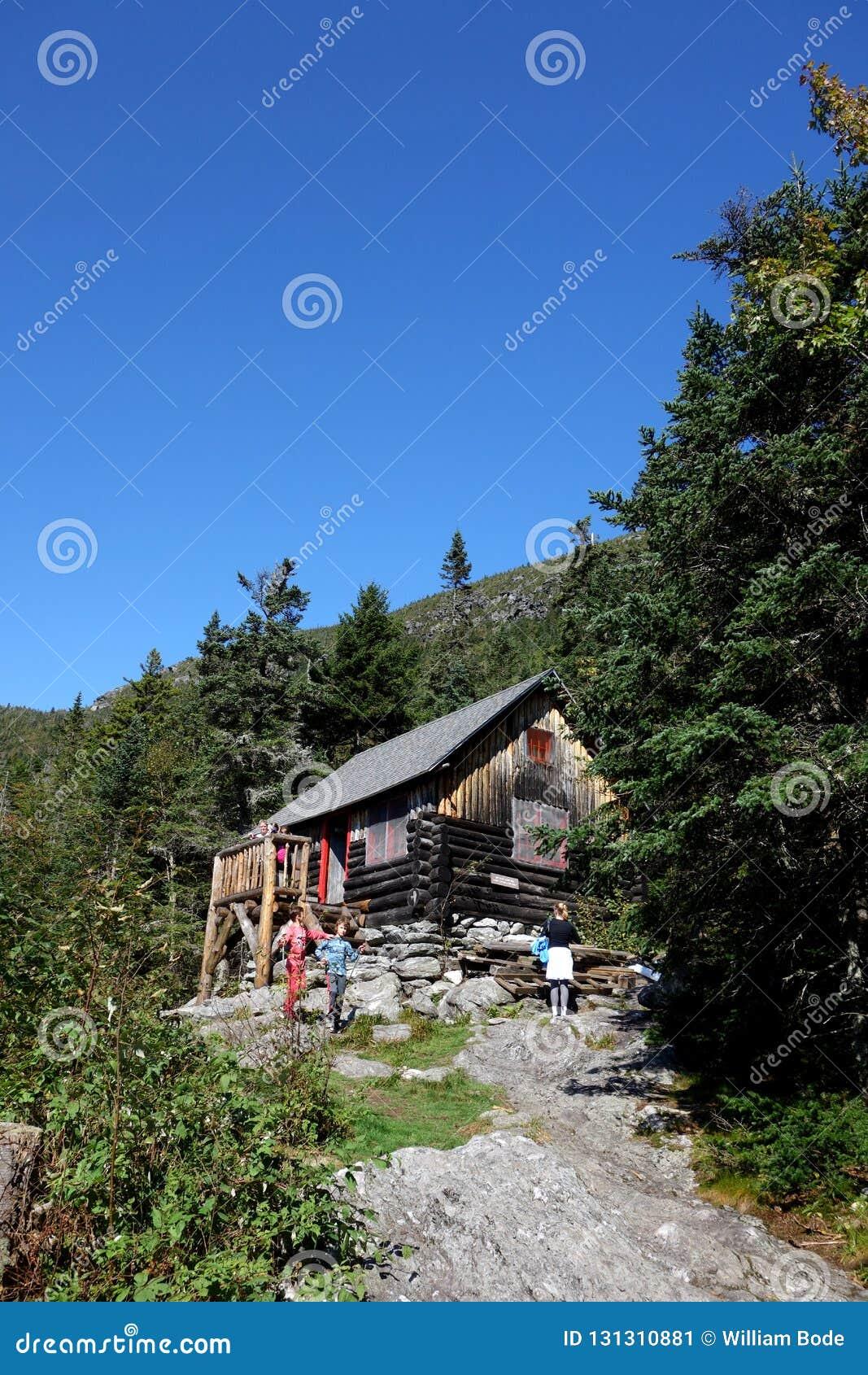 男管家小屋长的足迹避难所