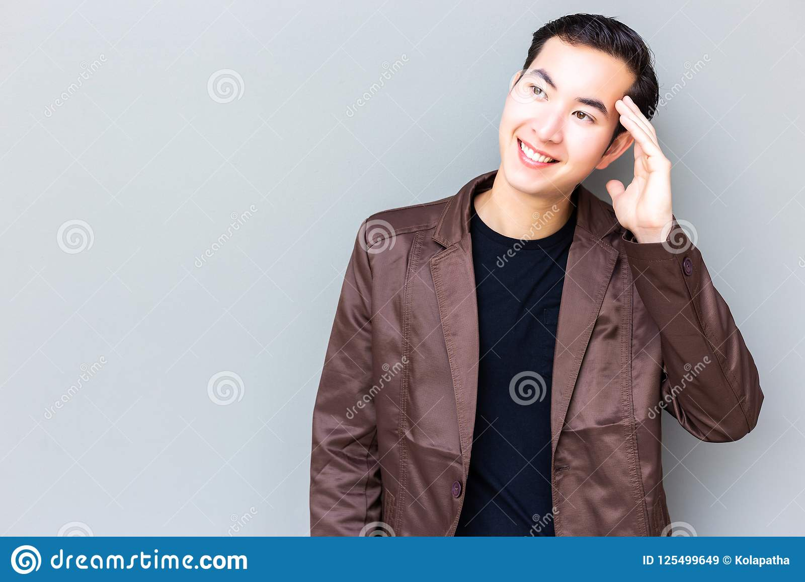 画象迷人的英俊的年轻商人 有吸引力的handsom