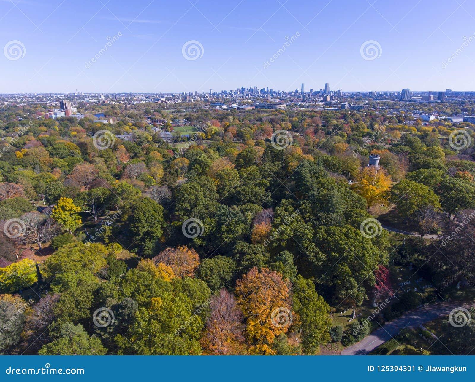 登上赤褐色公墓,沃特敦,马萨诸塞,美国