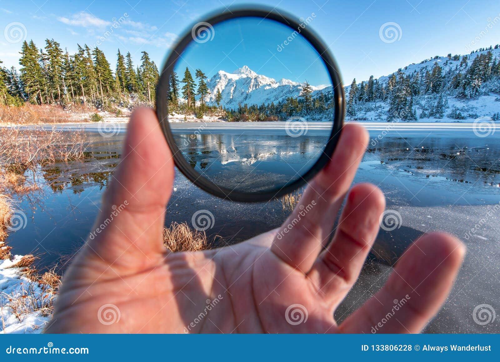 登上Shuksan和Picture湖在贝克原野