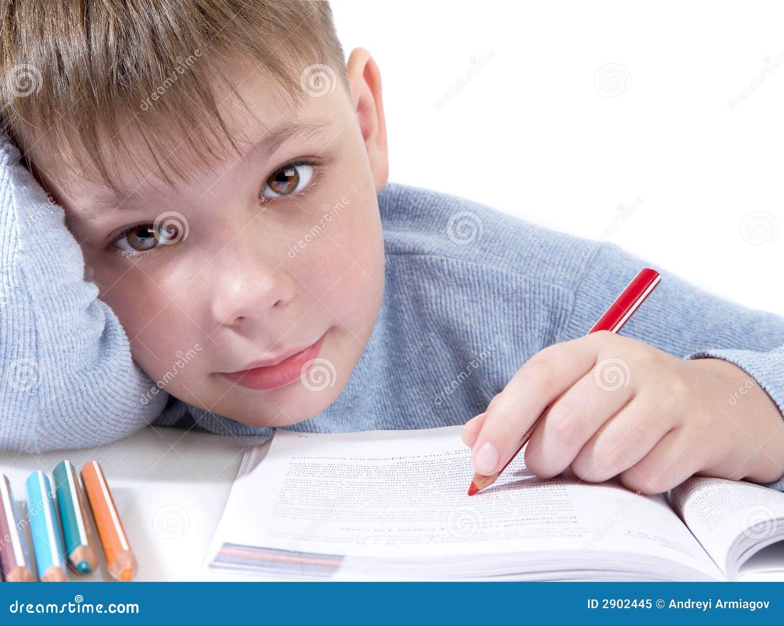 登记男小学生图片