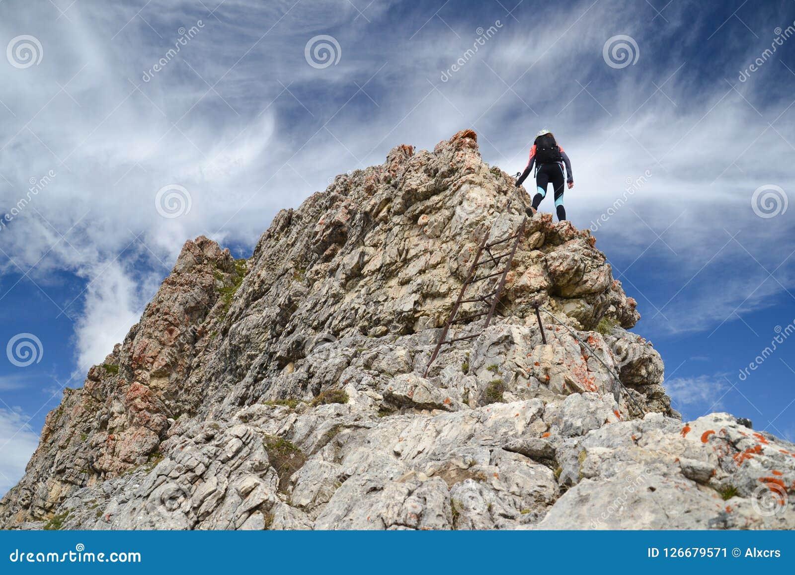 白云岩山的女性登山人