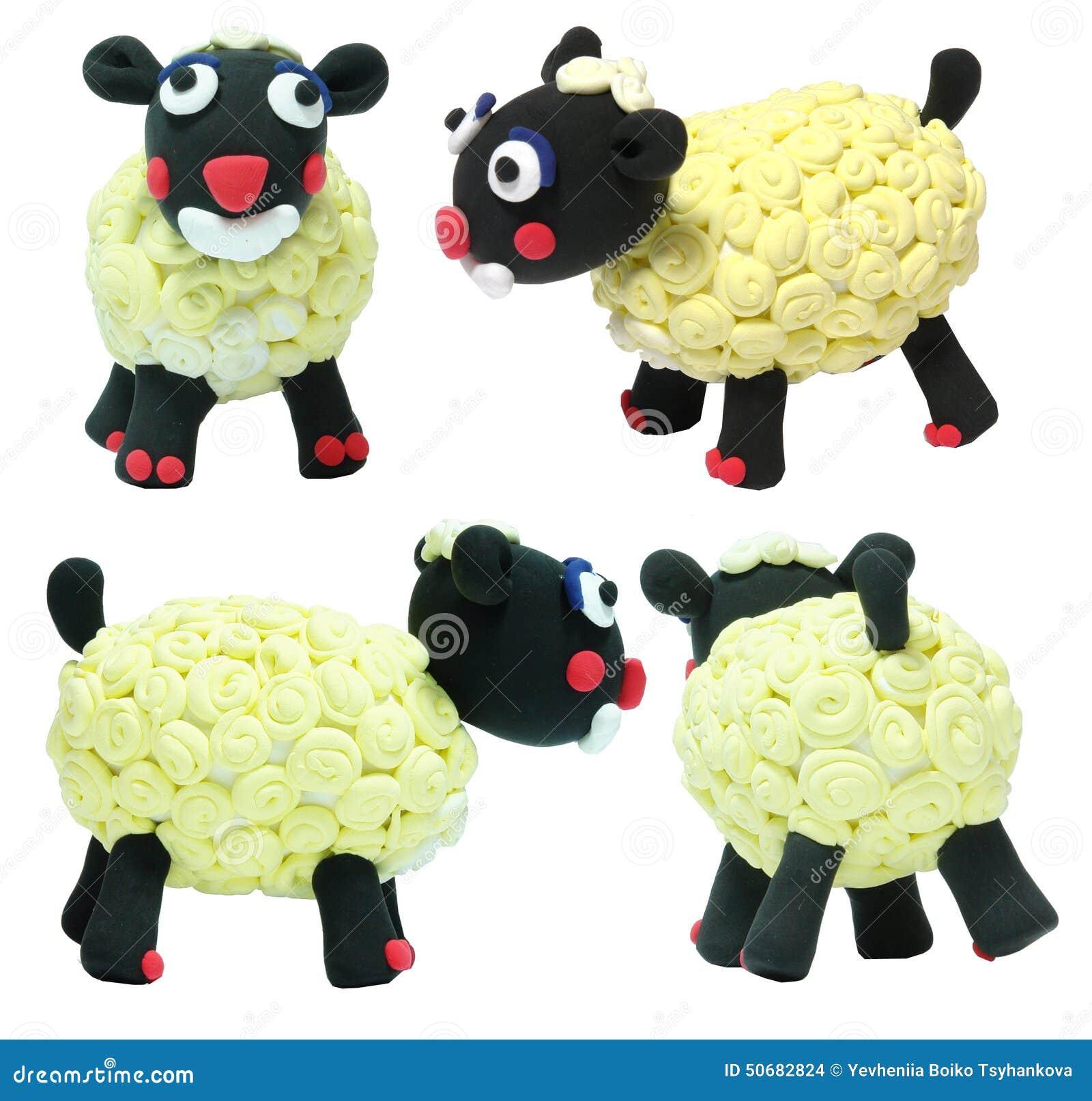 Download 白羊玩具逗人喜爱的玩具 库存例证. 插画 包括有 玩具, 微笑, 绵羊, 通知, 空白, 红色, 对象, 逗人喜爱 - 50682824