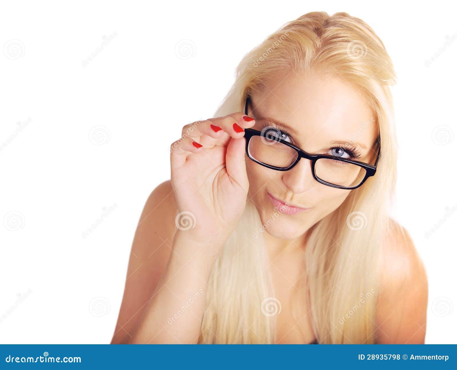 白肤金发的Pouting While Holding Her夫人玻璃的框架