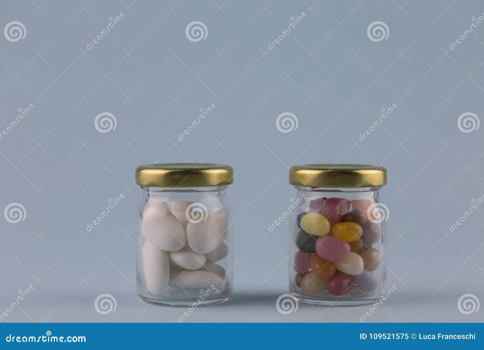 白色加糖的杏仁
