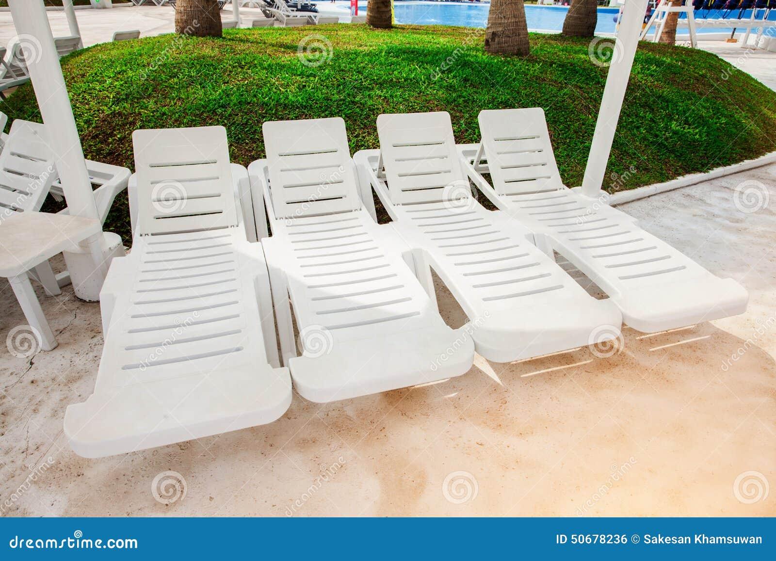 Download 白色海滩柴 库存照片. 图片 包括有 田园诗, 气候, 假期, 复制, 完美, 诱惑, 空间, 夏天, 人们 - 50678236