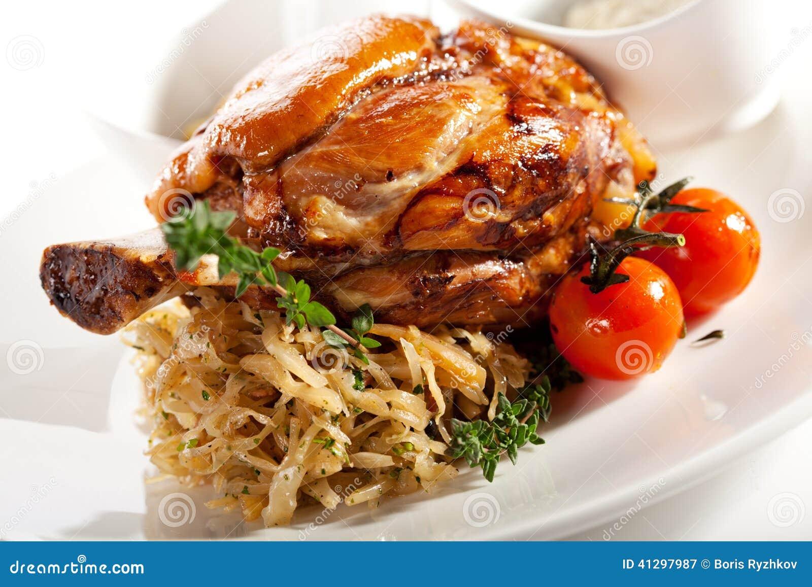 白色的猪肉接近的肉背景藜麦香米图片