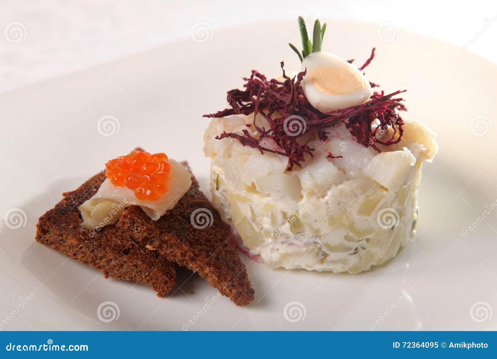 白色鱼沙拉
