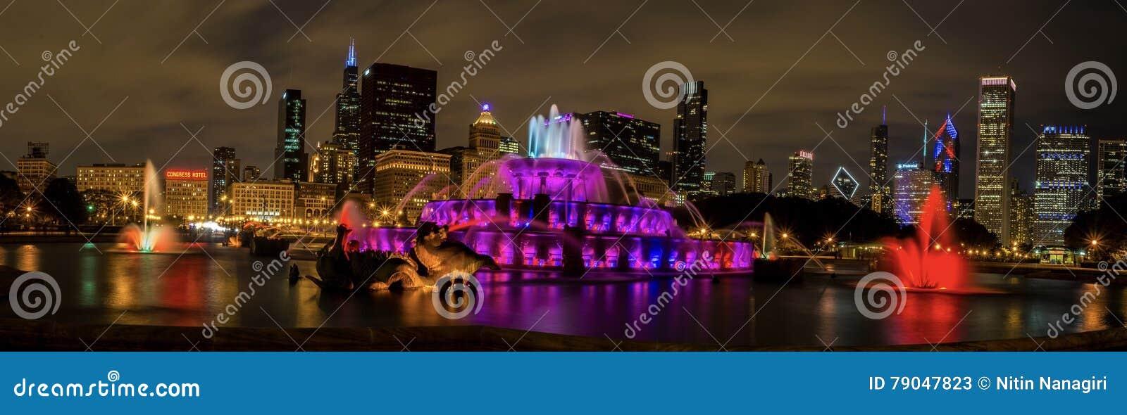 白金汉喷泉在街市芝加哥