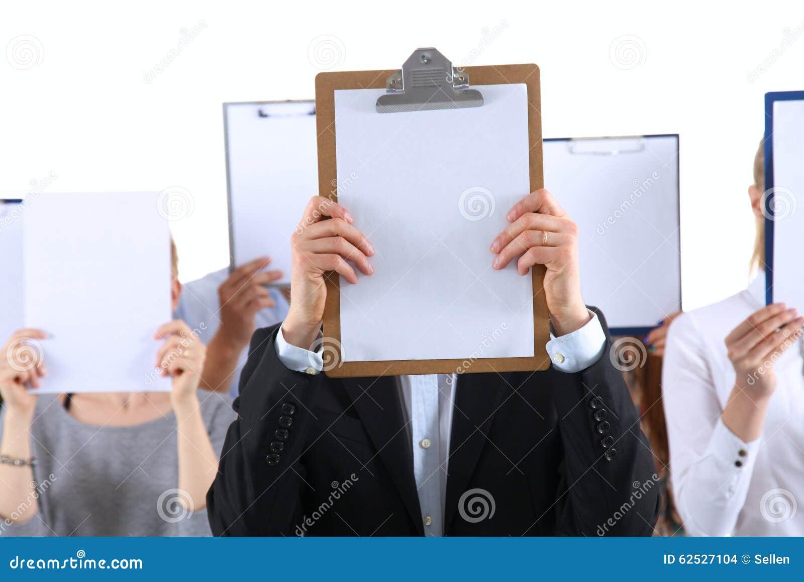 的买卖人队对负文件夹临近面孔