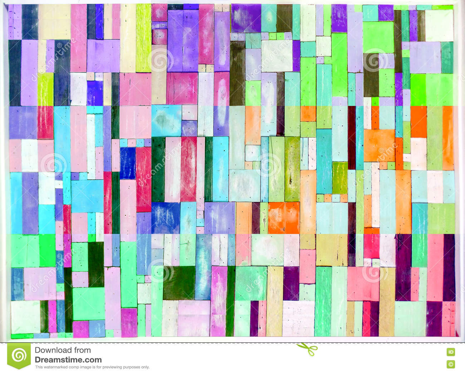 的彩虹和垂直多色木的片断和在bac的六片树荫