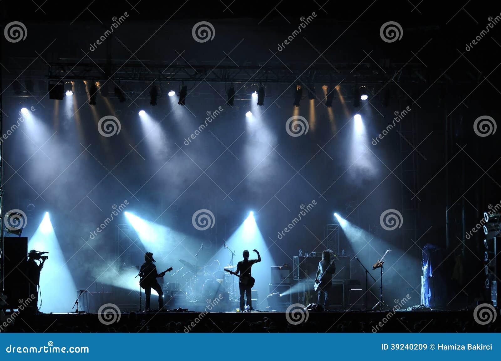 活的摇滚乐音乐会