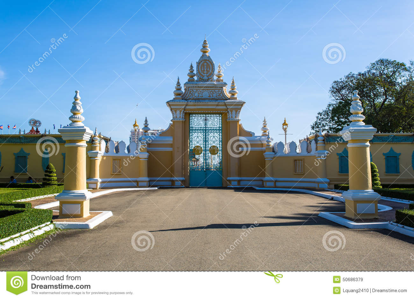 Download 皇家地方在金边 库存图片. 图片 包括有 艺术, 遗产, 金子, 城市, 镇痛药, 布琼布拉, 全部, 蓝色 - 50686379