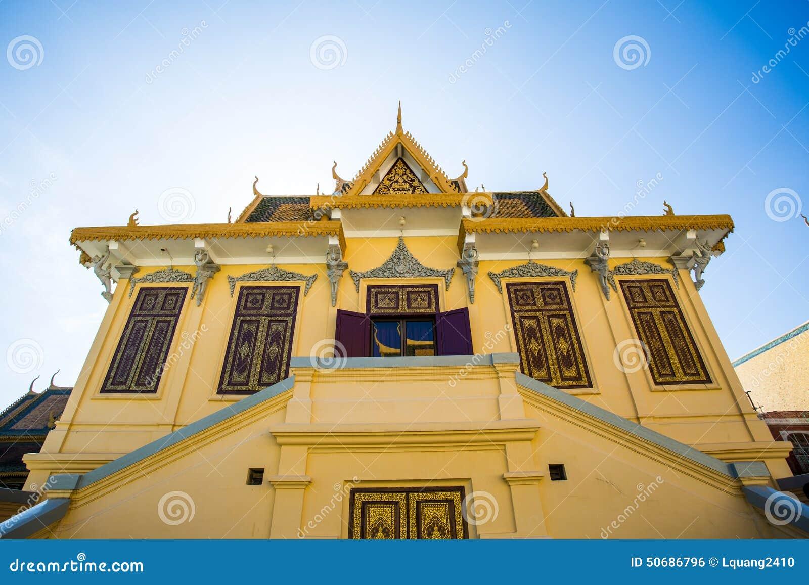 Download 皇家地方在金边 库存照片. 图片 包括有 布琼布拉, 豪华, 聚会所, 大厅, 修道院, 装饰, 发芽, 蓝色 - 50686796