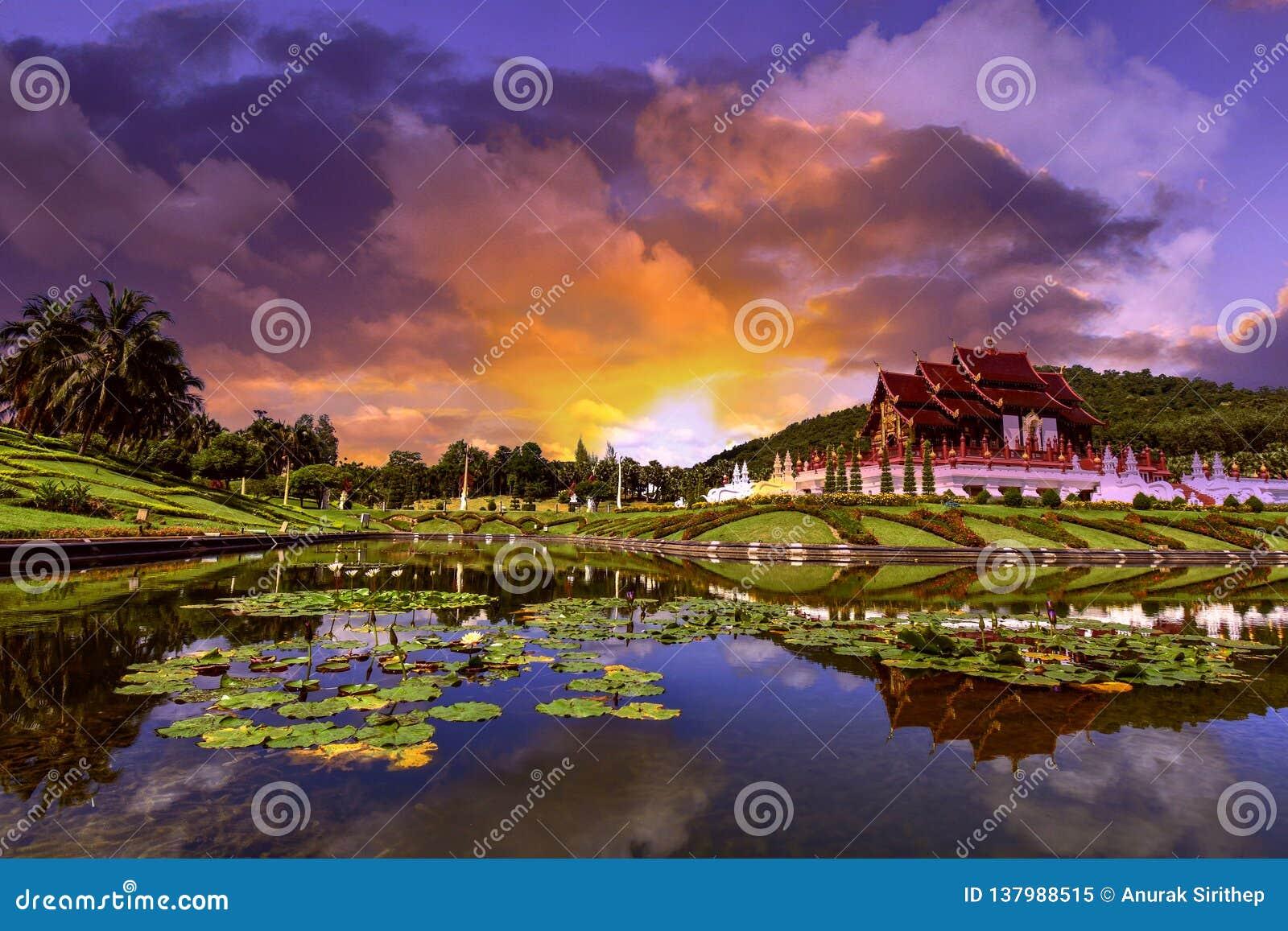 皇家Ratchaphruek公园和日落清迈,泰国