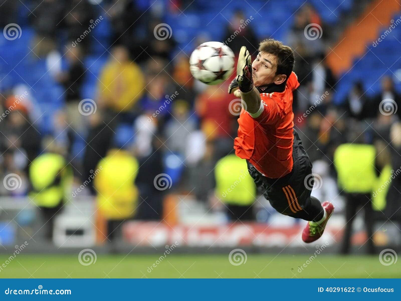 皇马伊克尔・卡西利亚斯的西班牙守门员在行动的