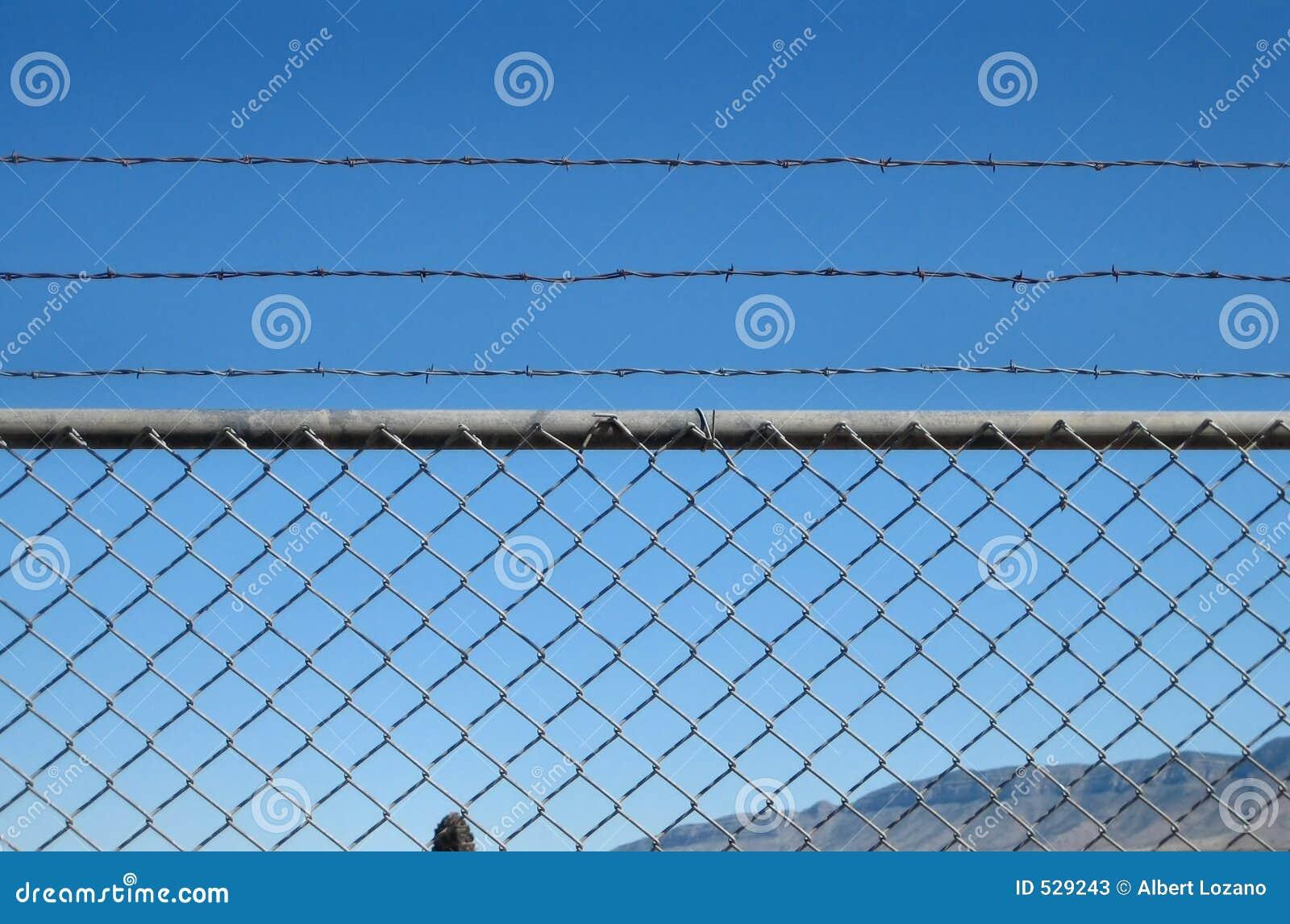 Download 监狱 库存图片. 图片 包括有 全能, 花格, 范围, 监狱, 处罚, 分娩, 囚犯, 分隔, 孤零零, 减胖法 - 529243