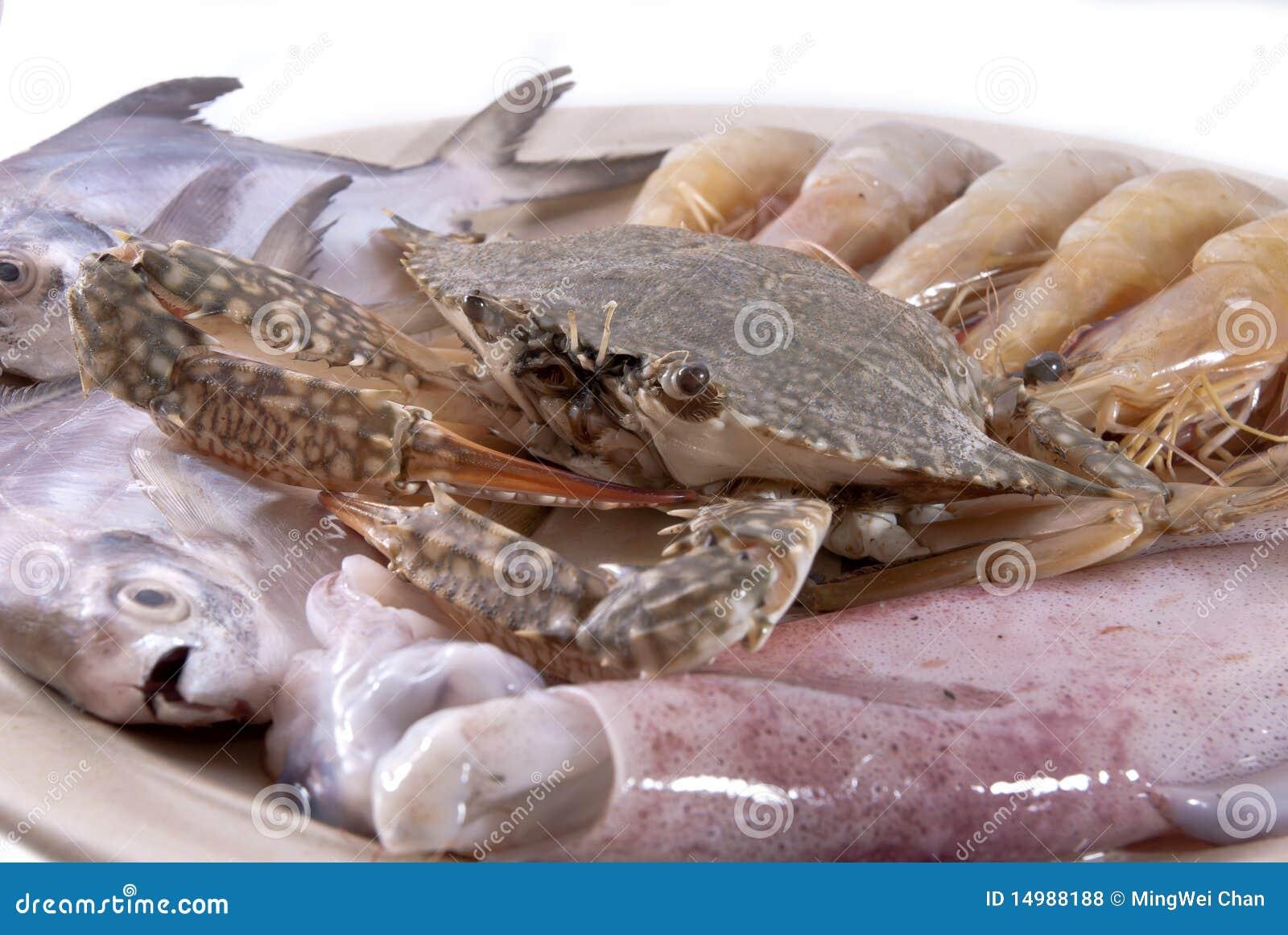 盛肉盘海鲜