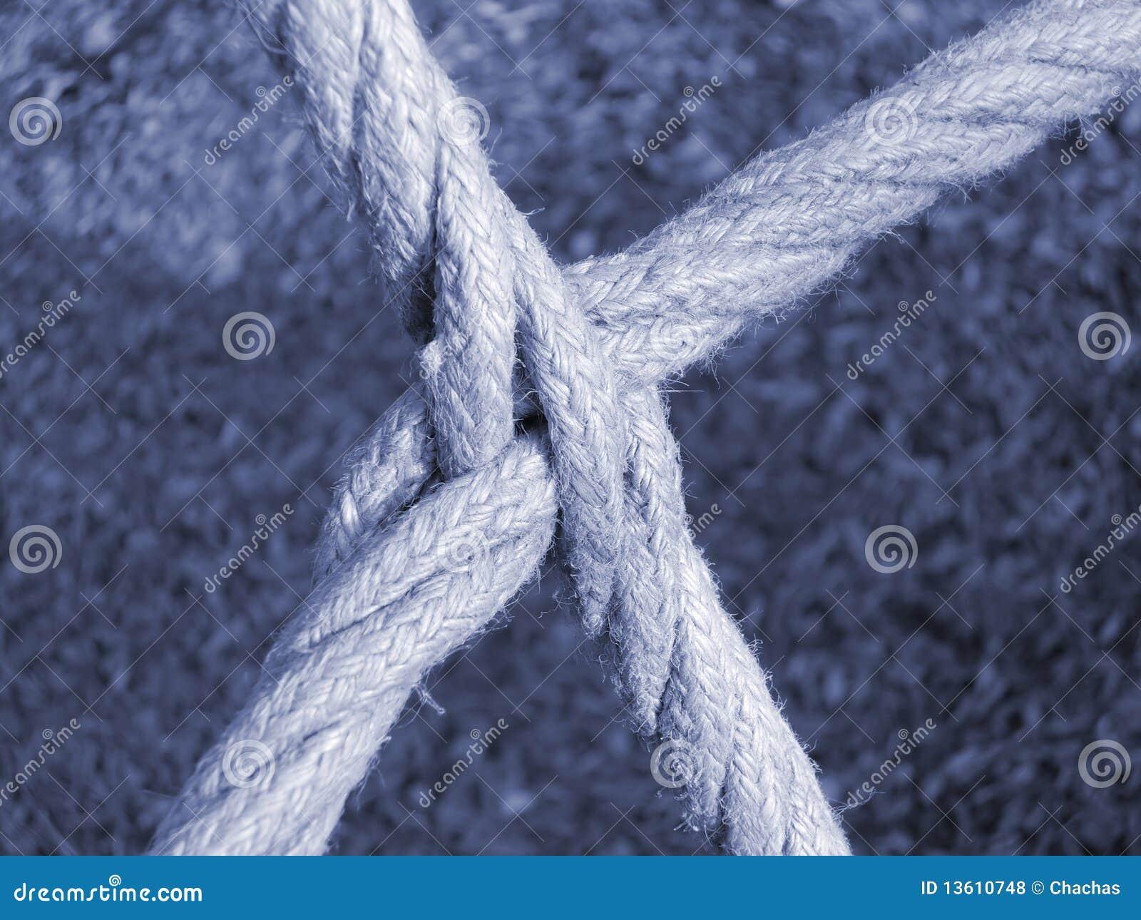 相交的绳索