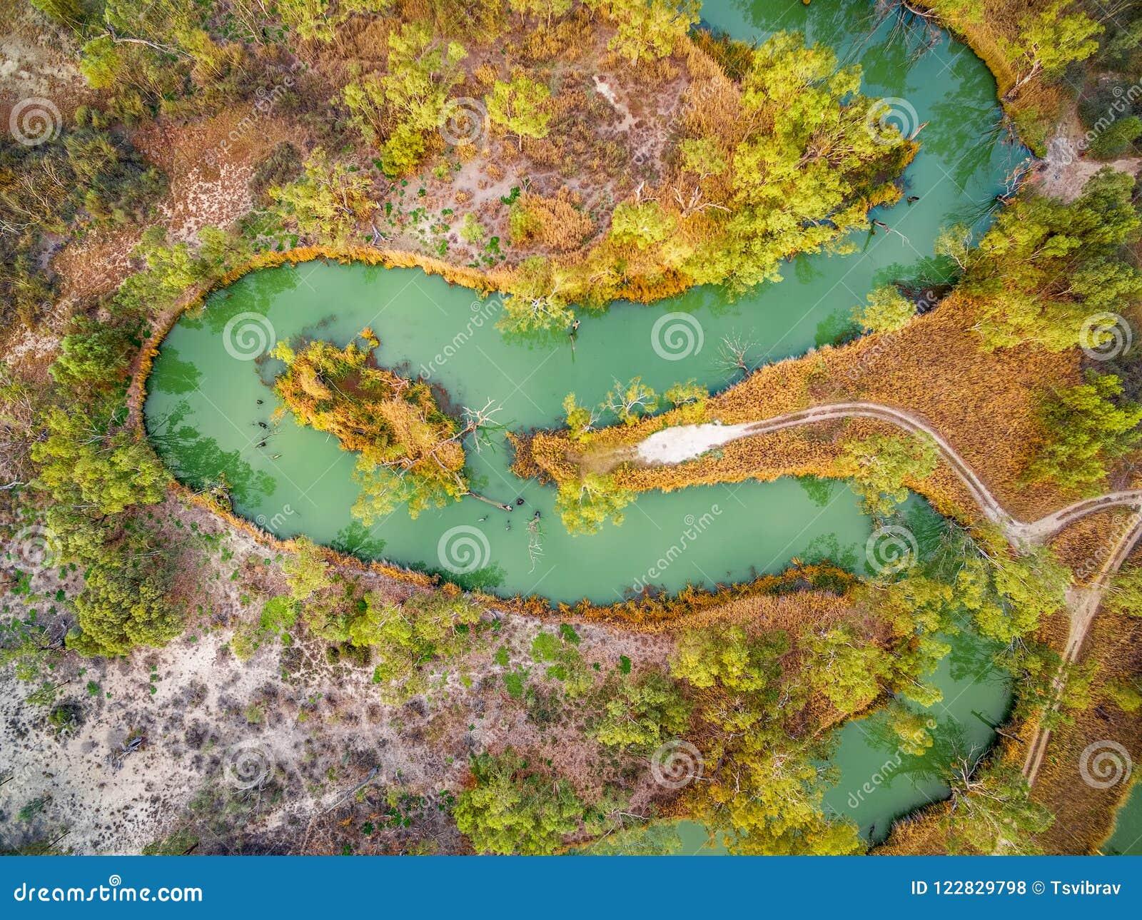 看下来蜿蜒的墨累河