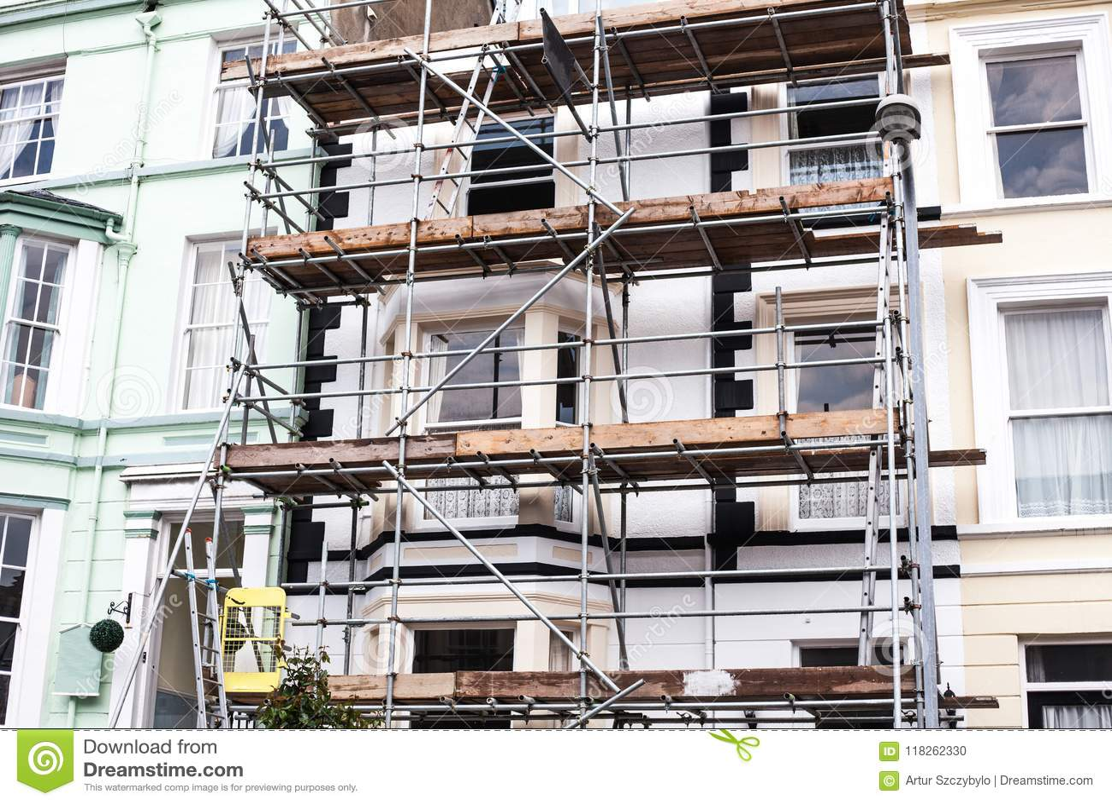 看大厦整修脚手架 大厦建设中,金属脚手架 铁建筑脚手架 B