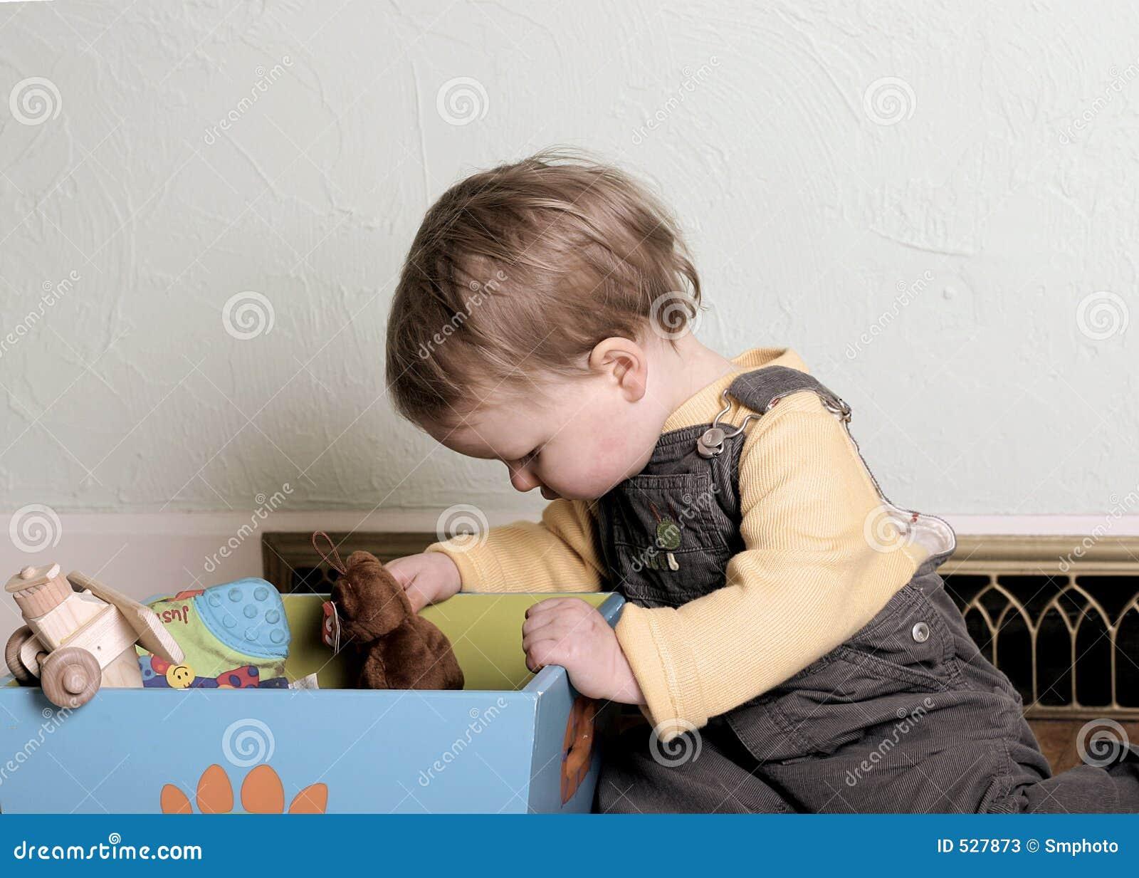 Download 看起来理想的玩具 库存图片. 图片 包括有 葡萄酒, alameda, 子项, 逗人喜爱, 时间, 小孩, 作用 - 527873
