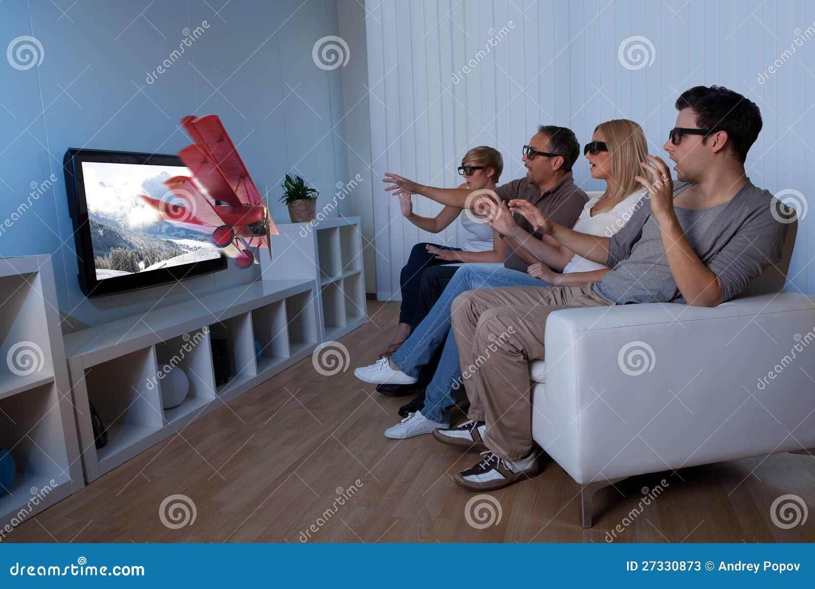 看3D电视的系列