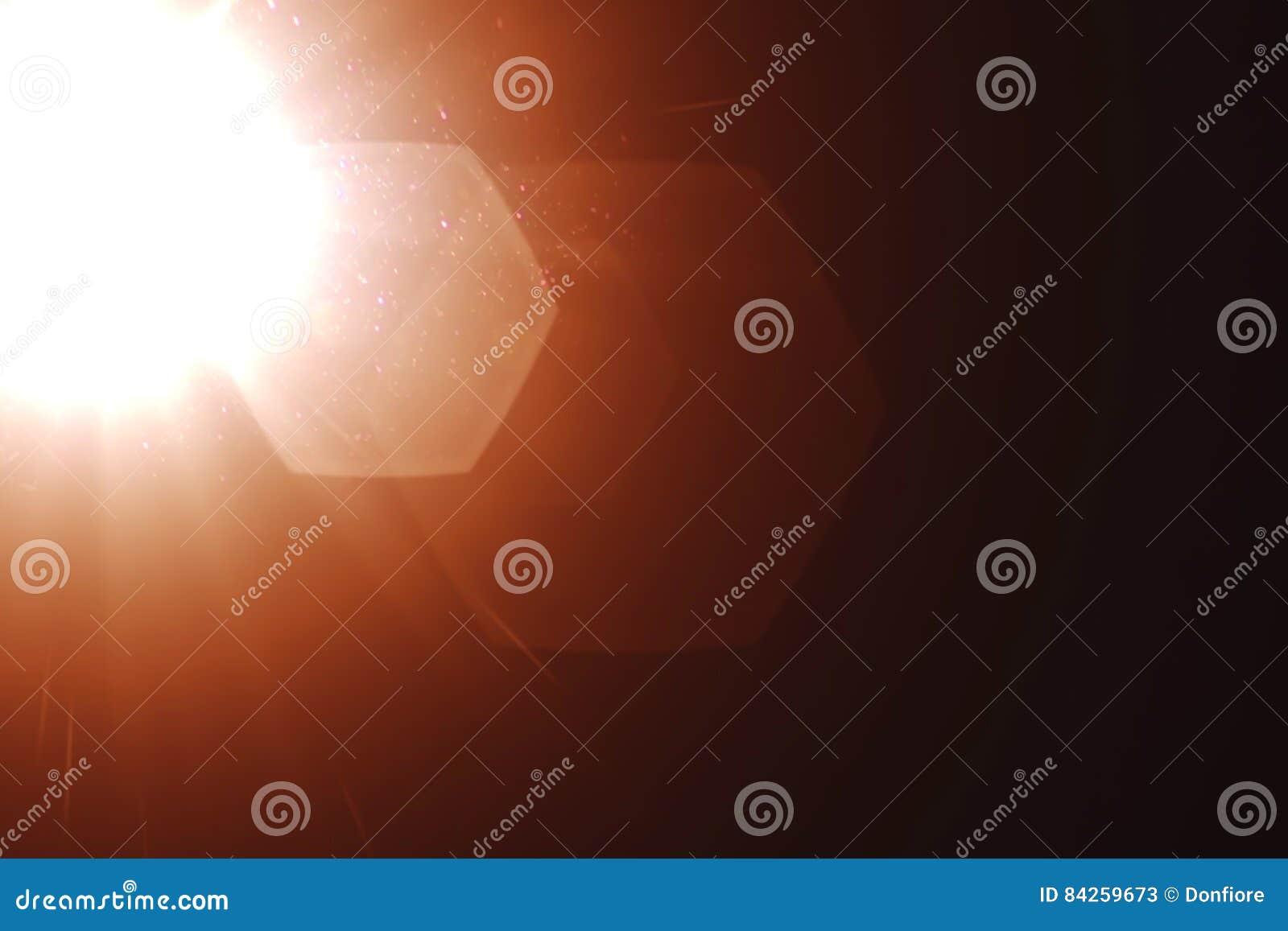 真正的轻的泄漏和透镜火光覆盖物,凉快的温暖的金色彩颜色