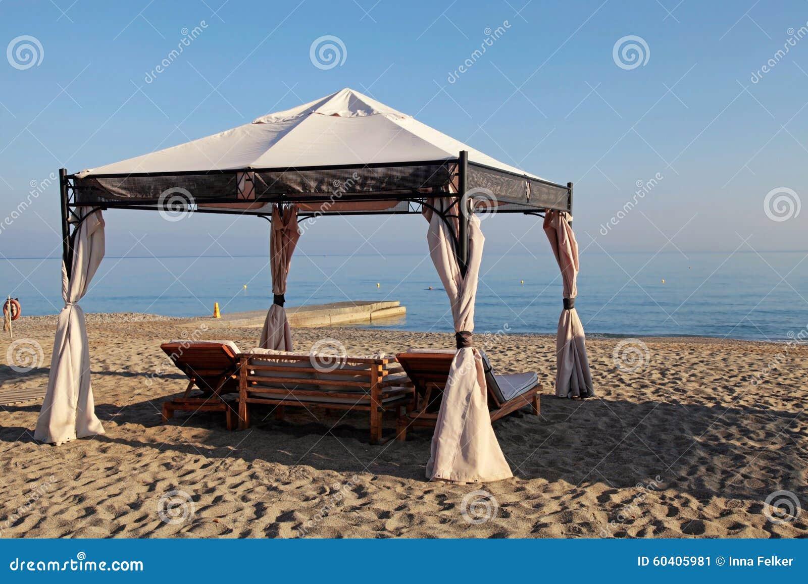 眺望台床在沙子夏天靠岸,希腊