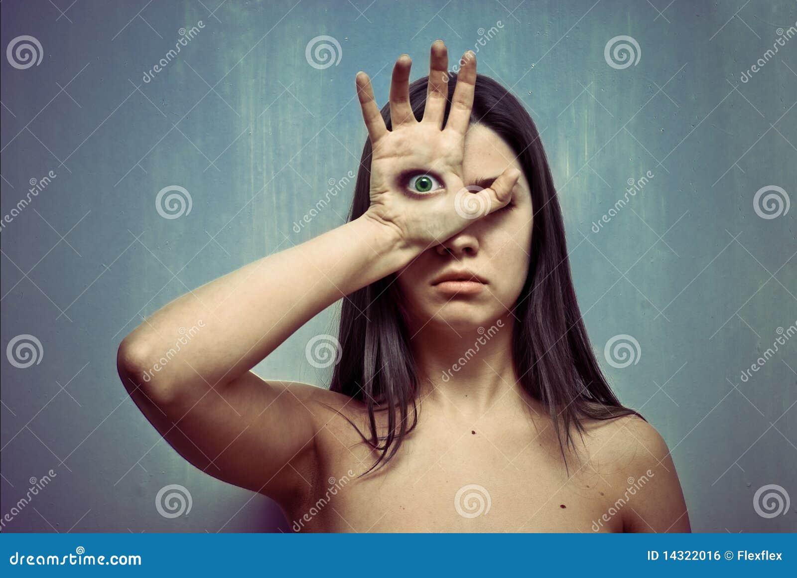 眼睛掌上型计算机妇女年轻人