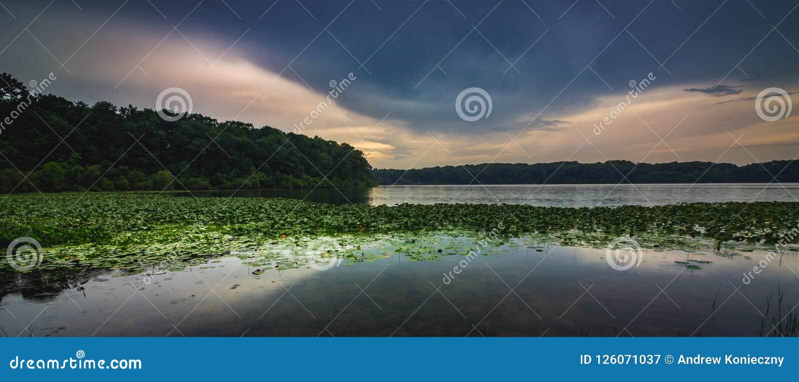 石湖日落全景